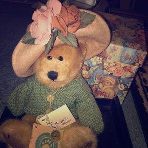 Mrs. Trumbull by Boyd's Bears